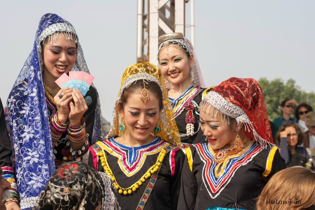 [J] Japanese Kalbeliya in Pushkar |#atozchallenge 2017|